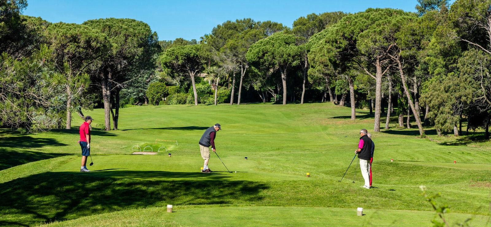 activite golf dans l'esterel