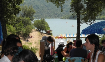 Terrasse avec vue sur le lac de St Cassien