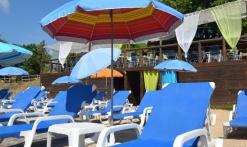 Espace transats et parasols