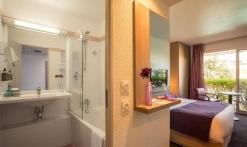 Chambre Confort et salle de bain