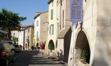 rue des Portiques
