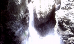 Canyoning dans les gorges