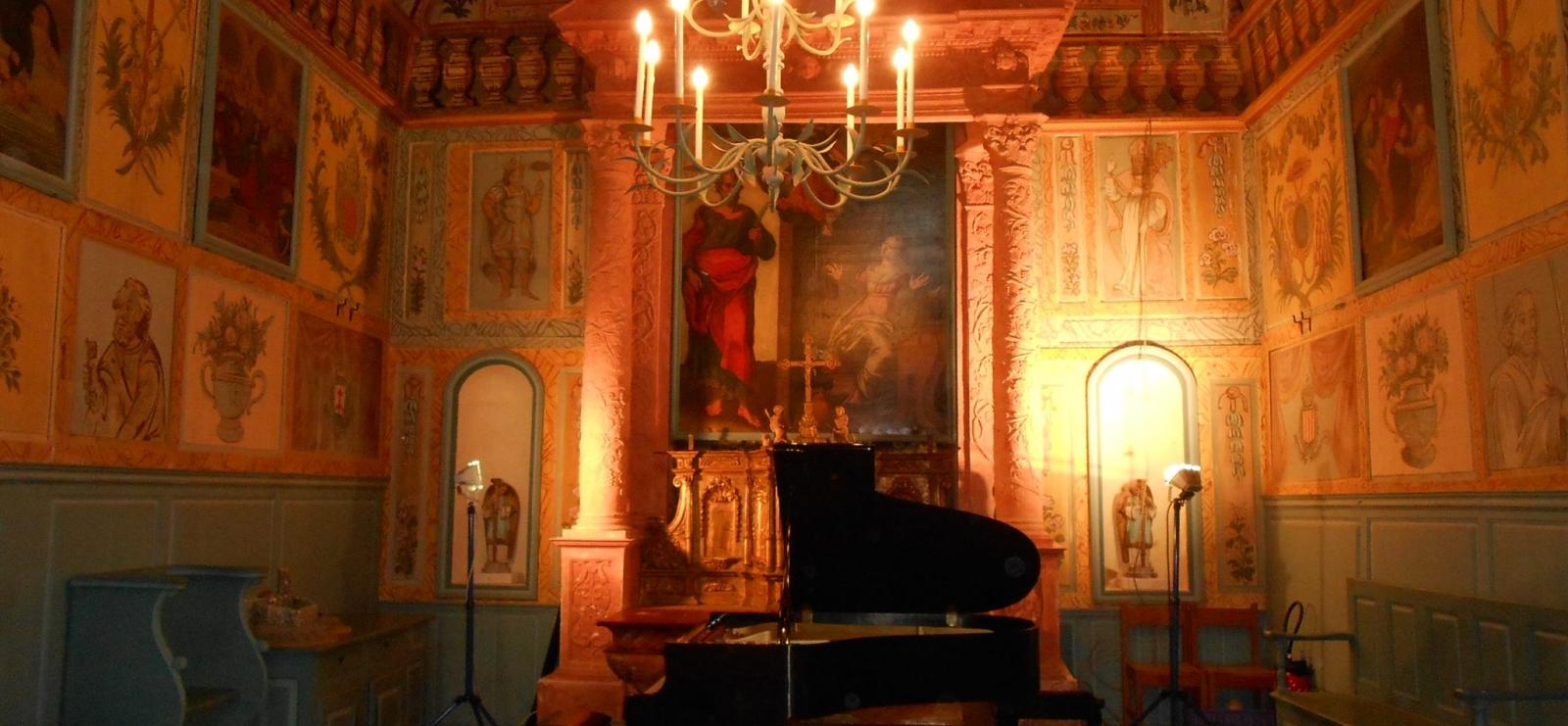 intérieur de la chapelle St Barthélemy