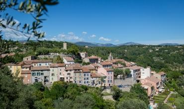 Tourrettes vu depuis le Château du Puy