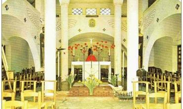 Intérieur Eglise Ste-Thérèse aux Issambres