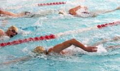 Cours de natation au Stade nautique