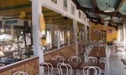 CAFETERIA DES 2 ENTREES - TERRASSE COUVERTE