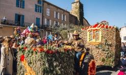 Corso fleuri au village