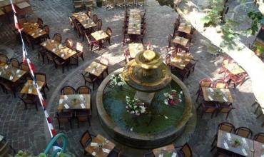 La terrasse place du Thouron