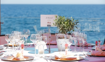 La Réserve Gayrard - table vue mer