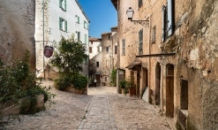 Village de caractère et traditions provençales
