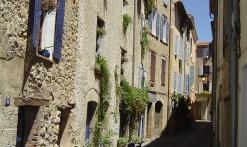 ruelles et placettes provençales du village